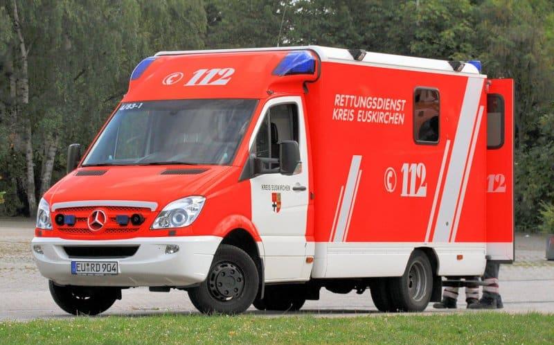 mercedes rettungswagen notarzteinsatz am