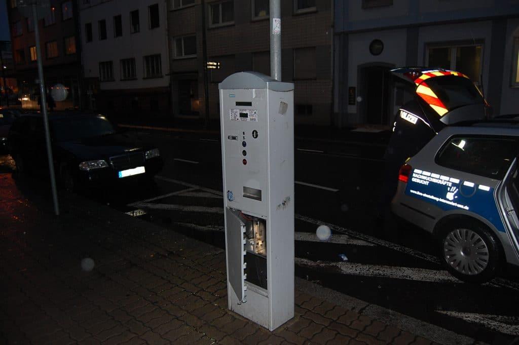 parkscheinautomat aufgebrochen