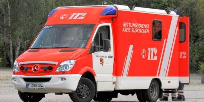tmp  mercedes rettungswagen notarzteinsatz am